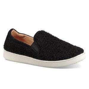 UGG Ricci Slip-On Fashion Sneaker